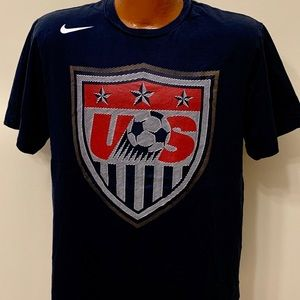 USA Soccer Team Crest NIKE T-shirt. Size Large